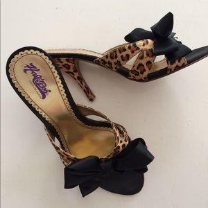 Hale Bob leopard bow provocateur runway heels 9